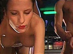 Porn: मूठ मलाई, कुत्ती