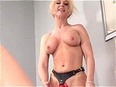 Porno: Lezbi, Strapon, Xalaşka
