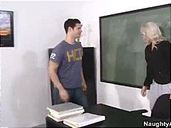 Porno: Cica, Bytha