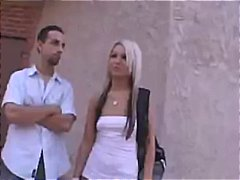 Lucah: Kamera Web, Rambut Blonde