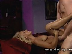 Porno: Bjondinat, Threesome, Me Fytyrë