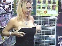 Porno: Təbii Döşlər