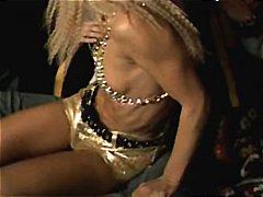 جنس: سكارى, نحيفات, كس ضيق, مشاهير
