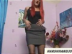 Porno: Apakšveļa, Sievietes Dominēšana, Rokas Masturbācija, Brilles