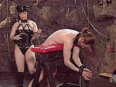 جنس: غريب جداً, تقييد وسادية, عبيد, ملابس جلدية لامعة