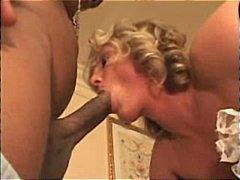جنس: السمراوات, تستمنى زبه بيدها, خادمات, بزاز