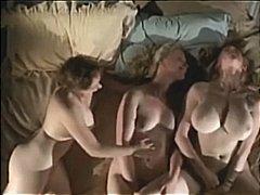 Порно: Вона Дрочить, Крупний План, Палець