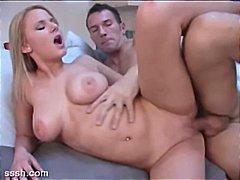 Porno: Karštos Mamytės, Oralinis Seksas, Blondinės, Pora