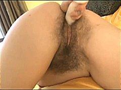 Porn: Kosmata Muca, Igrača, Masturbacija
