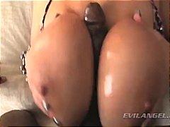 Porn: Bruhalni Refleks, Naravne Prsi, Velike Joške, Medrasni Seks