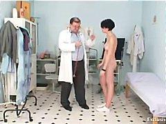 جنس: الطبيب, منظار, نهود كبيرة, غريب جداً