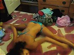 Porno: Çirlider, Bikini