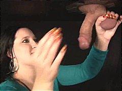 جنس: تقييد وسادية, تستمنى زبه بيدها, نساء مسيطرات