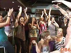 Bold: Paglalabis Sa Pagtatalik, Baguhan, Grupo, Party