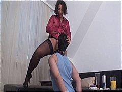 Porno: Likken, Vrouwelijke Dominantie
