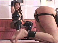 جنس: نساء مسيطرات, ضرب الطيز, يابانيات