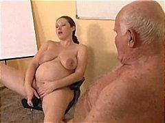 Pornići: Stari Sa Mladima