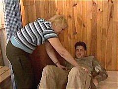 Porno: Karvane, Vanaema, Küps