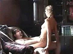 جنس: رجال كبار مع شابات