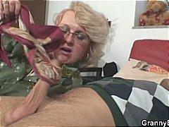 Porno: Starí S Mladými, Babičky, Staršie Ženy