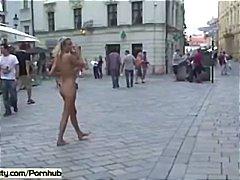 Porn: खुलेआम चुदाई, नंगा, उत्तेजक प्रदर्शन