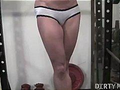 Porno: Pozēšana, Pusmūža Sievietes, Pupi, Trenažieru Zāle