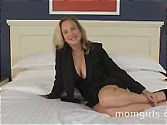 Porno: Cica, Sekretareshat