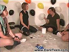 جنس: حفلة, مراهقات, مراهقات