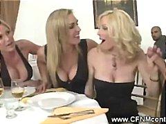 Porno: Cfnm, Mamme, Masturbazione