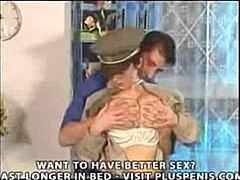 Porno: Krūtys, Dideli Papai, Uniformos
