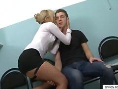 Porno: Karštos Mamytės, Kojinės, Biure, Sperma Ant Veido