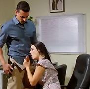 Порно: Под Сукња, Бринета, Шмукање, Канцеларија