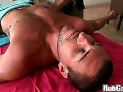 Porno: Eļļotie, Dejojošais Lācis, Rokas Masturbācija, Izskūtās
