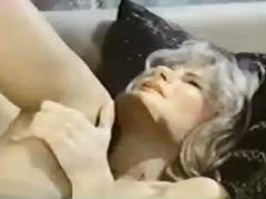 Lucah: Stail Dulu, Bintang Porno, Stokin