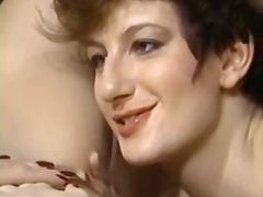 Porno: Lezbi, Məhsul