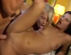 Порно: Мінет, Дві Жінки І Чоловік, Піхва, Молоденька