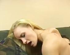 Porn: वयस्क, सुनहरे बाल वाली, भयंकर चुदाई