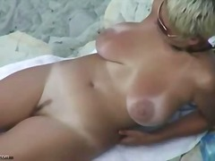 Porn: Amaterji, Posnetek Od Blizu, Na Plaži