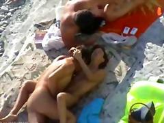 პორნო: მოყვარული, თვალთვალი, პლაჟი