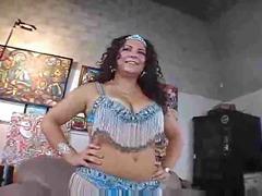 dansatoare din buric