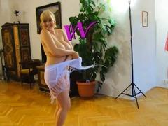 снимки на голи жени