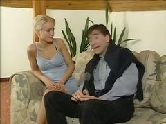 Porn: Blondinka, Bejba