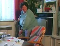Porno: Ilusad Suured Naised, Vanaema, Tissid