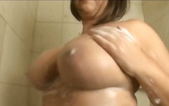 Porno: Lodra Sexy, Bukuroshet Gjigante