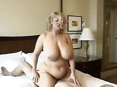 Porno: Bukuroshet Gjigante, Bjondinat, Cica