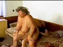 Porno: Qoca Nənə, Gombullar, Yaşlı, Böyük Döşlər