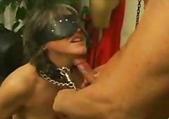 Porno: Pusmūža Sievietes, Mazohisms
