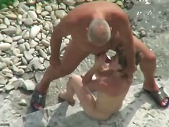 Porno: Në Plazh, Publike, Soditëse