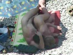 Porno: Në Plazh, Kamera Fshehur, Soditëse