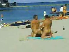 Porno: Në Plazh, Publike, Në Grupë
